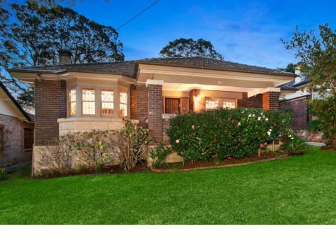 Family Favourite In Exclusive Roseville Setting