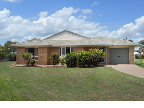 Residence 29 Three-Bedroom Carlyle Gardens Townsville