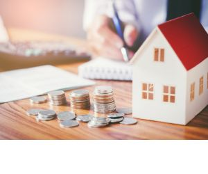 Property tops 10 and 20 year investment returns