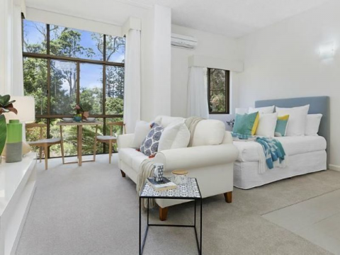 Stunning studio Serviced Apartment with rainforest outlook