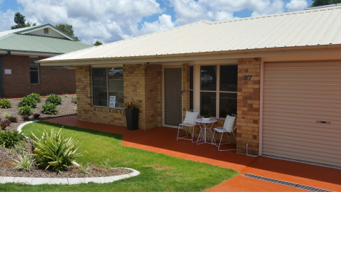 Lovely Modern Unit located close to our Vibrant Community Centre in Beautiful Palmwoods.
