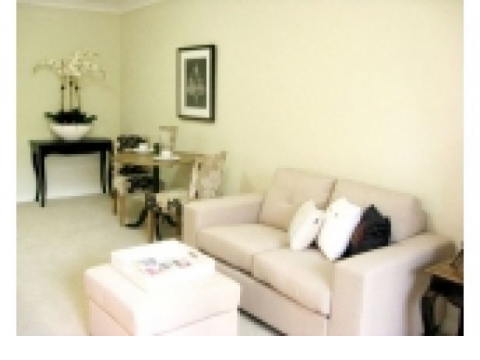 Fabulous North Facing Sunny One Bedroom Unit.