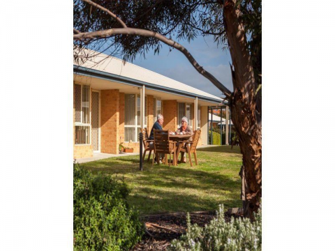 SENIORS RENTAL ACCOMMODATION RETIREMENT LIVING FOR OVER 55's - contact us today for a free information pack