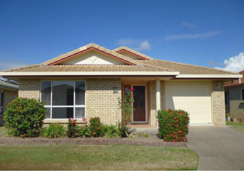 Residence 252 Three-Bedroom Caryle Gardens Mackay