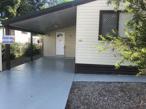 The Bungalows - Relaxing 'Pet Friendly' environment with no age restrictions - located on Reedy Creek Road next to Treetops Shopping Centre.