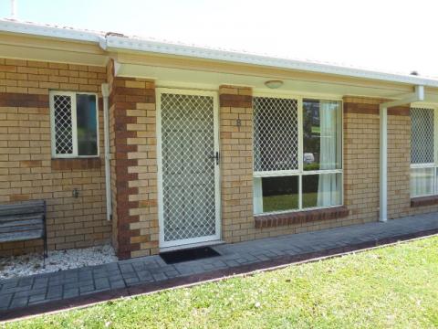 One bedroom rental villa in popular northside retirement village